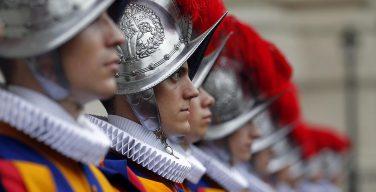 Папская гвардия готова противостоять террористической угрозе