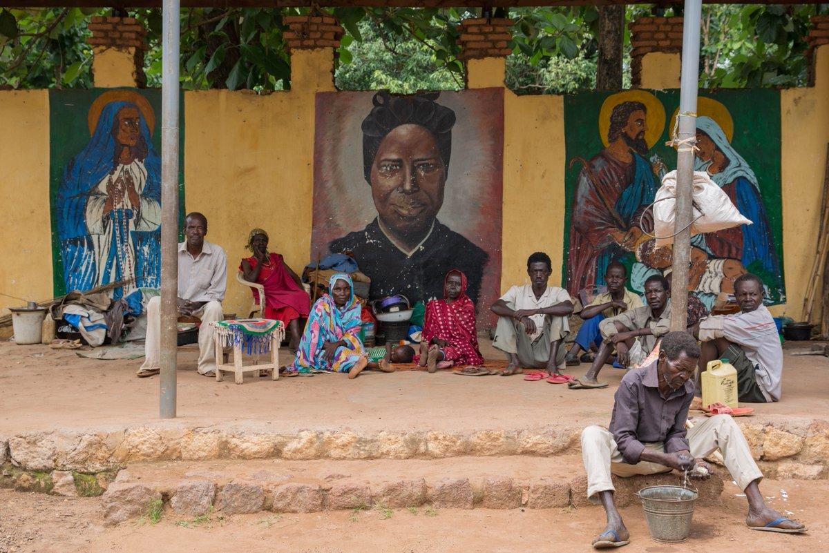 В Южном Судане Около десяти тысяч беженцев спасаются от гражданской войны в самом большом католическом храме страны