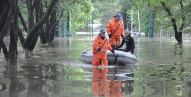 «Папа, нас спасут?»: беда в Уссурийске из-за ливневых дождей