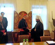 Госсекретарь Ватикана прибыл в Москву