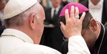 Папа — новым епископам: сопровождать людей со смирением