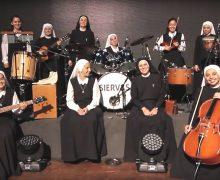 Католические монахини основали рок-группу и отправились в турне