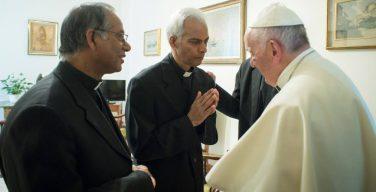 Папа Франциск встретился с освобожденным из плена священником-салезианцем