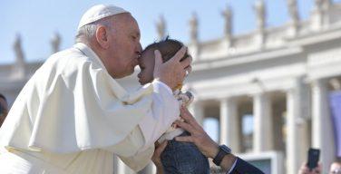 Папа: у народа, который с гордостью показывает своих детей, есть будущее. Общая аудиенция 13 сентября