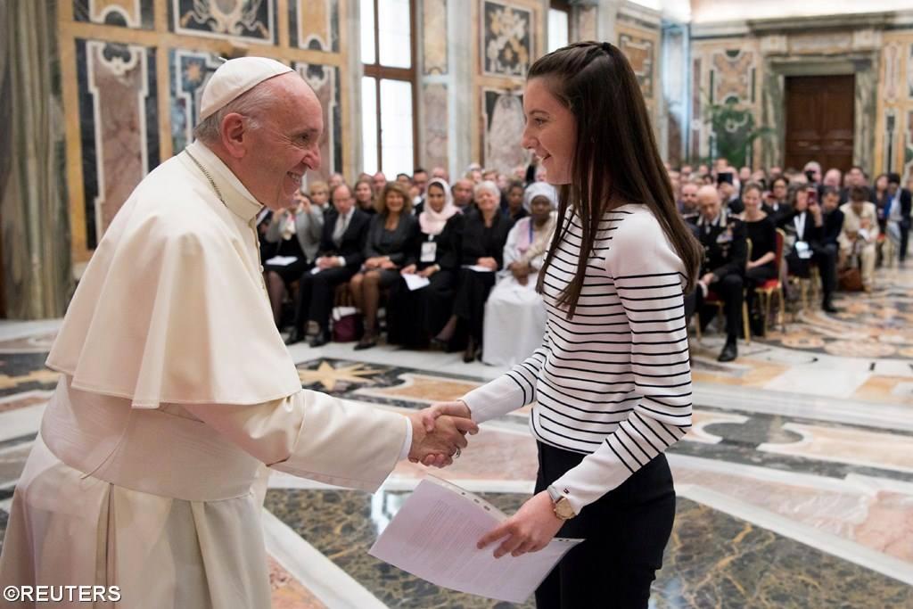 Папа о защите несовершеннолетних в цифровом мире