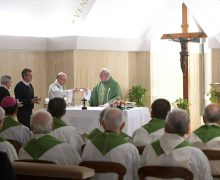 Папа: открытость к Божьему спасению открывает двери к другим людям