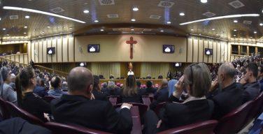 25 лет Катехизису Католической Церкви. Папа: следует уделить больше внимания осуждению смертной казни