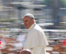 Число подписчиков микроблога Папы Римского в Twitter превысило 40 млн