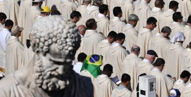 Папа — бразильским священникам: братство поможет вам сохранить духовность