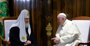 Архиереи РПЦ дадут оценку встрече Патриарха Кирилла и Папы Франциска