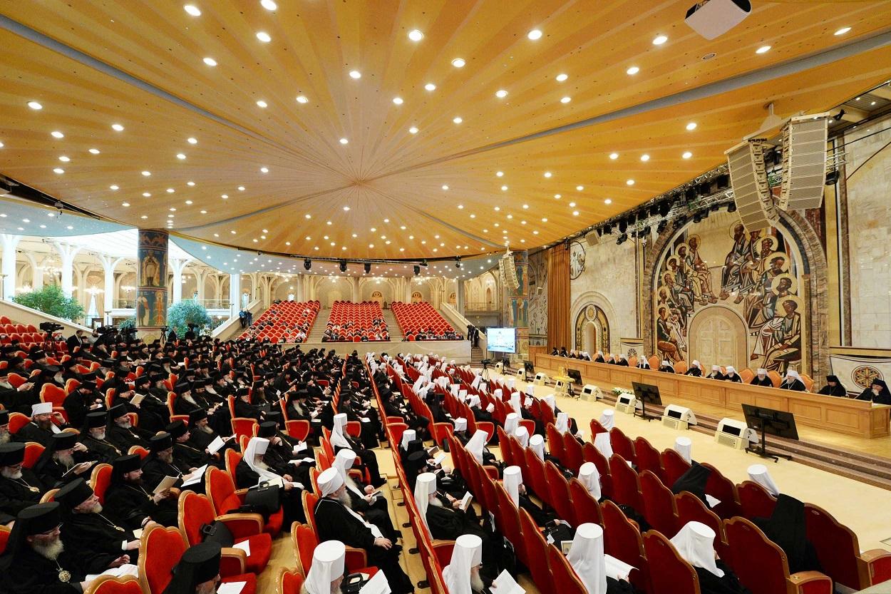 В храме Христа Спасителя  открылся Архиерейский собор Русской Православной Церкви