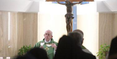 Папа: теряя способность чувствовать себя любимым, человек лишается всего