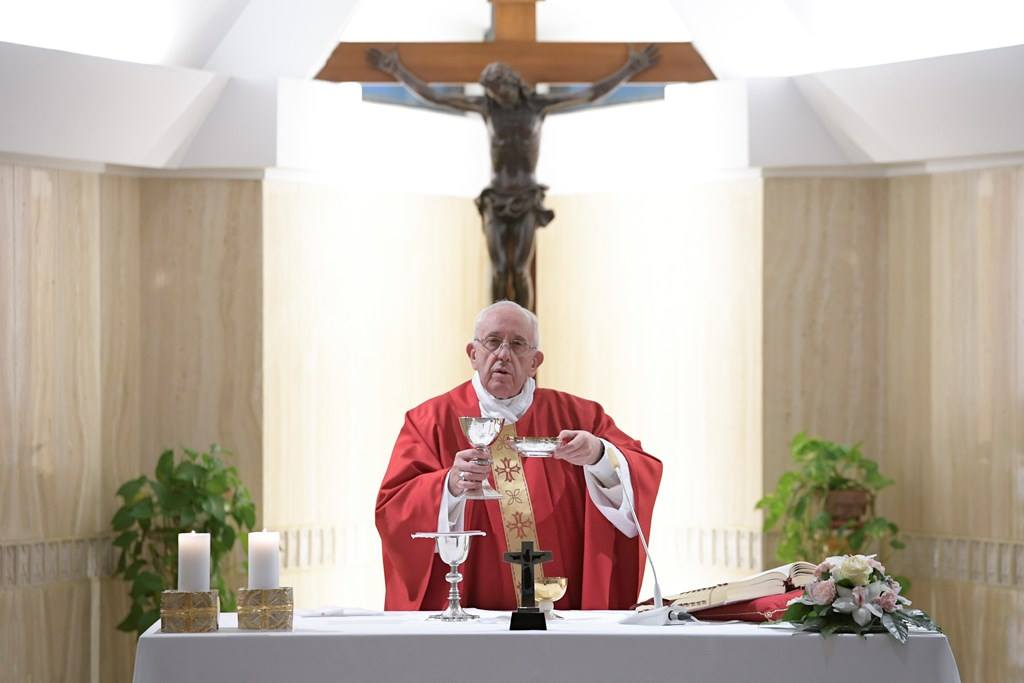 Папа: наши церкви — это храмы для служения, а не супермаркеты