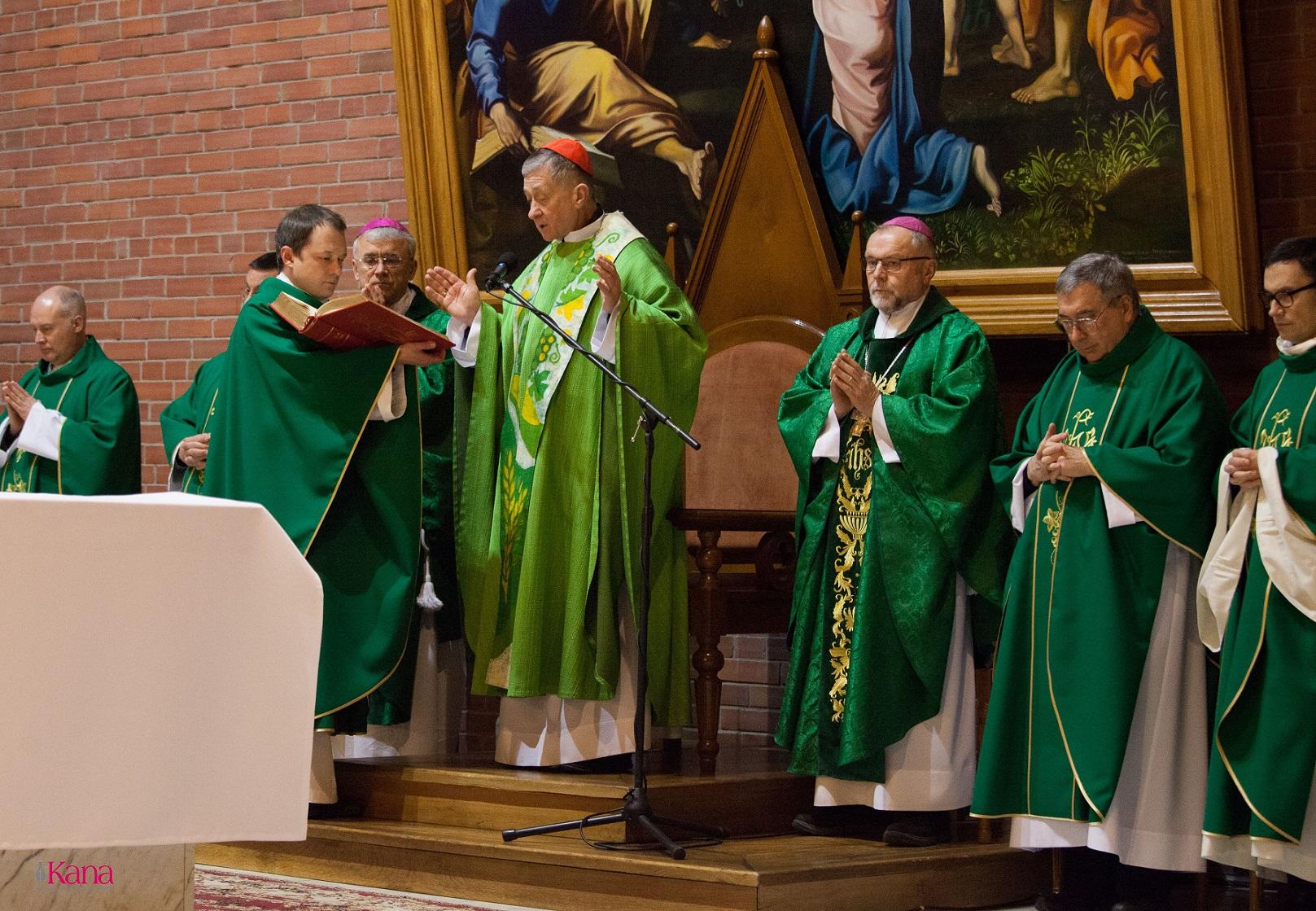 Визит кардинала Блейза Супича в Новосибирск завершился Мессой в Кафедральном соборе