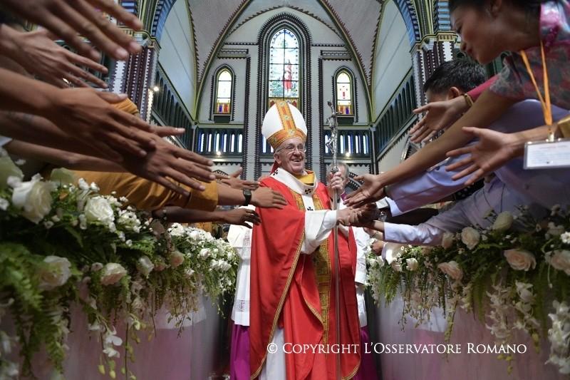 Папа — молодёжи Мьянмы: будьте для всех знаком надежды