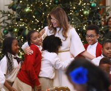 «Сделаем Рождество прекрасным снова!», или Как перед праздниками украсили Белый Дом