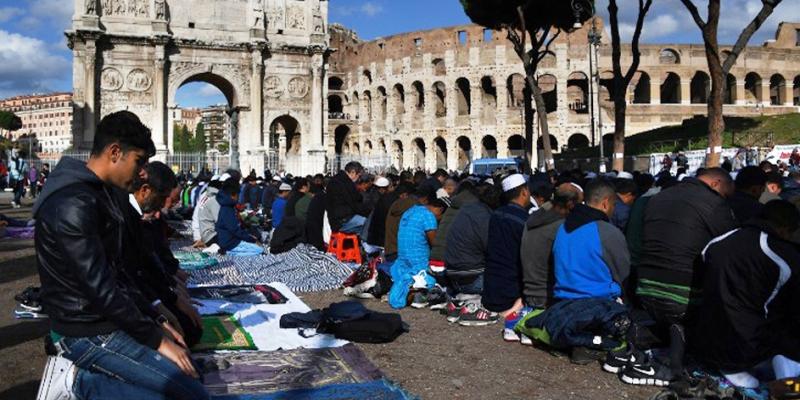 Мусульманское население Европы растет, но большинством станет не скоро