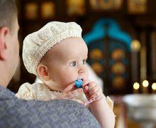 Предстоятель УПЦ будет лично крестить пятого новорожденного в семьях священников