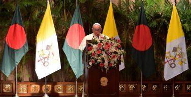 Папа: решить политические проблемы беженцев из штата Ракхайн
