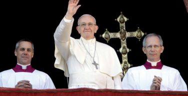 Послание Папы «Граду и Миру»: увидеть Младенца Иисуса в страдающих детях