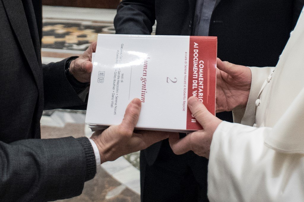 Папа — итальянским теологам: богословие создаётся «на коленях» и должно служить вере и Церкви