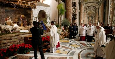 Христиане большинства стран мира отмечают праздник Рождества Христова