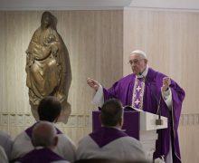 Папа на Мессе в Доме Св. Марфы: «принимать унижения, чтобы подражать Иисусу»