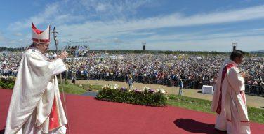 Папа: насилие фальсифицирует борьбу за единство и примирение (+ ФОТО)