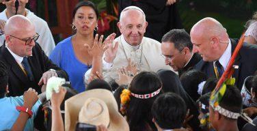 Папа – молодому поколению амазонских народов: не маскируйте свою самобытность