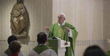 Папа: двойная жизнь пастырей глубоко ранит Церковь