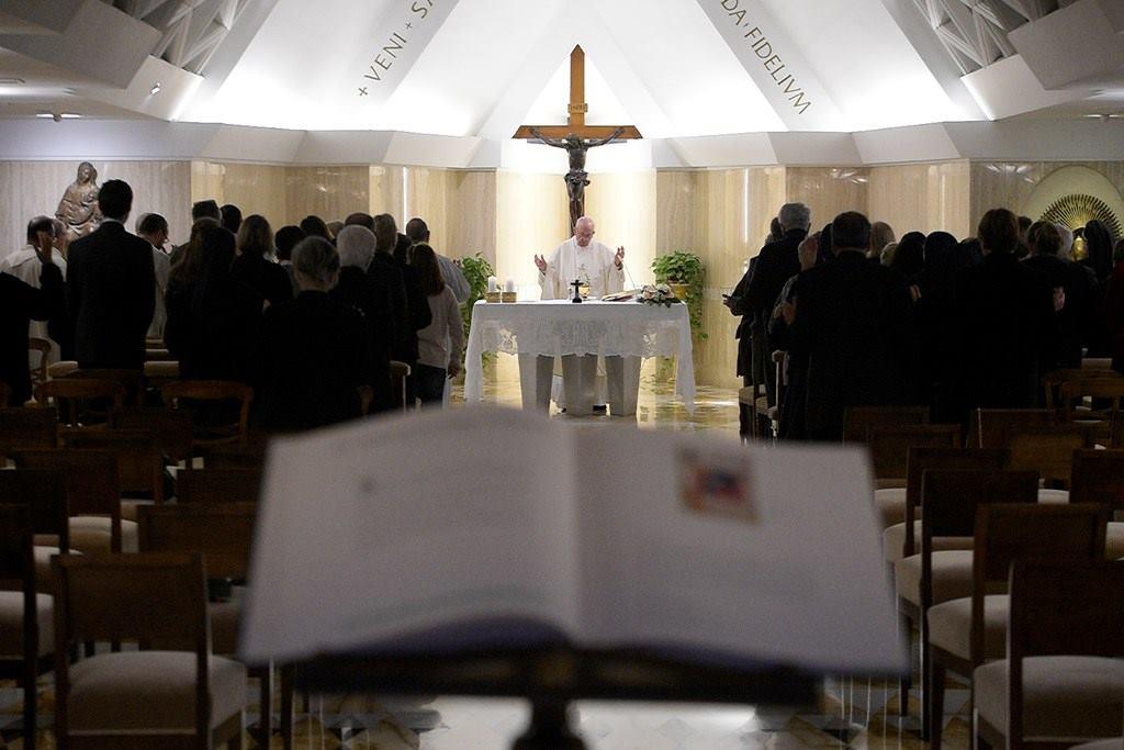 Папа: истинного смирения не бывает без унижения