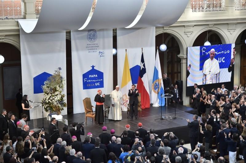 Папа: университет должен учить грамматике диалога и встречи (+ ФОТО)