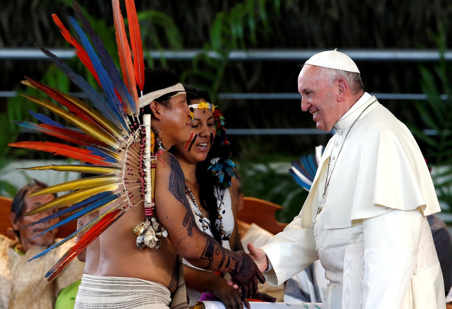 Папа встретился с коренными народами Амазонии (ФОТО + ВИДЕО)