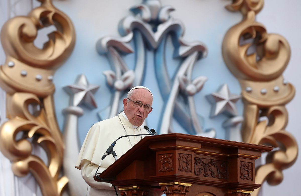 Папа: Божья любовь всегда говорит «на местном диалекте» (+ ФОТО)