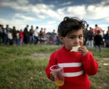 Папа Франциск объявил о переносе Дня беженцев на второе воскресенье сентября