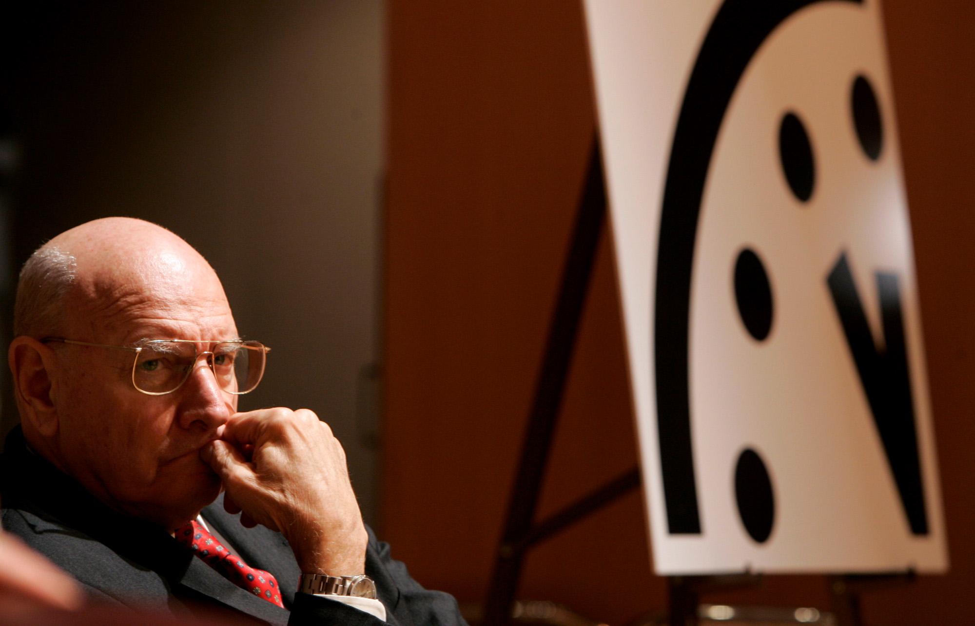 Стрелки «часов Судного дня» сдвинулись на полминуты к ядерной полуночи