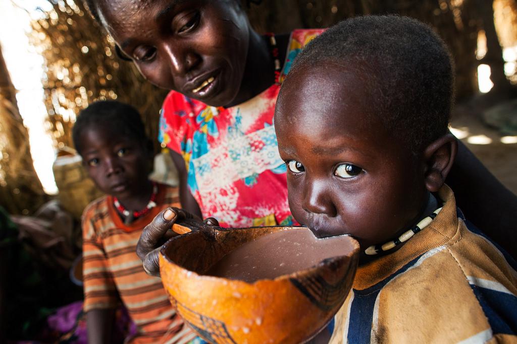 Папа — Африканскому союзу: голодающие не могут больше ждать