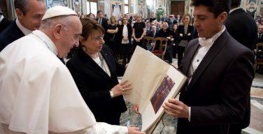 Папа встретился с руководством и персоналом Почты Италии