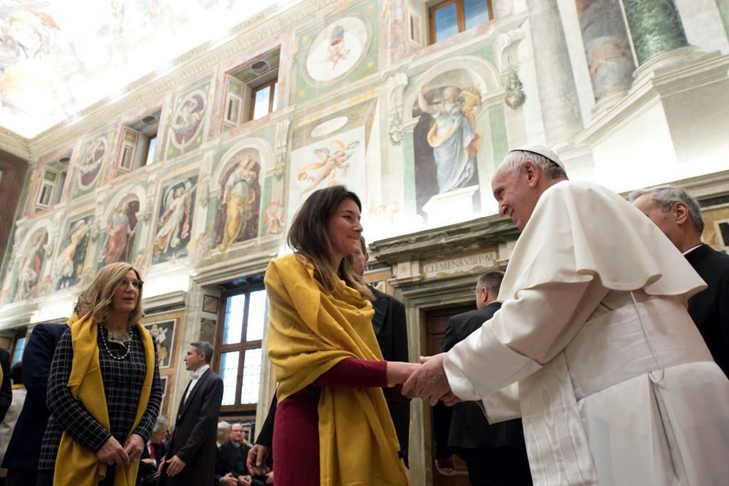 Папа: бороться с ростовщичеством с помощью «нового экономического гуманизма»