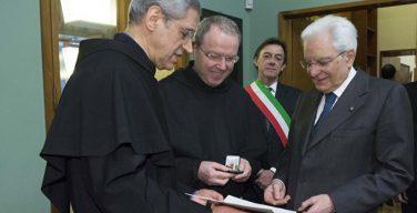 Президент Италии вручил францисканцам золотую медаль в память об о. Кортезе