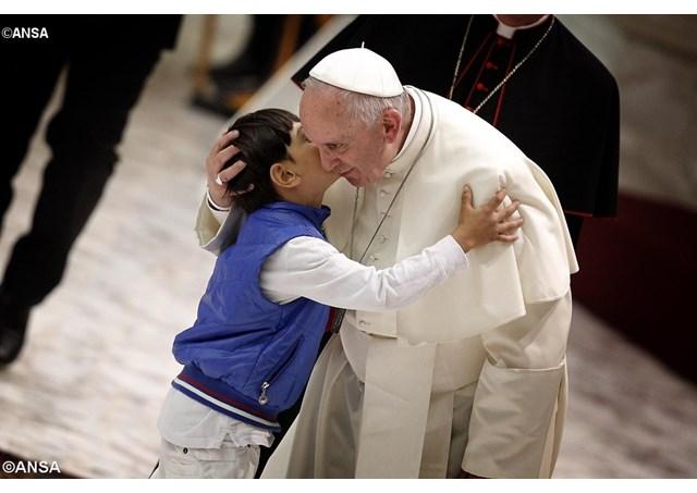 В Ватикане опубликована стенограмма встречи Папы Франциска с делегацией сирот из Румынии