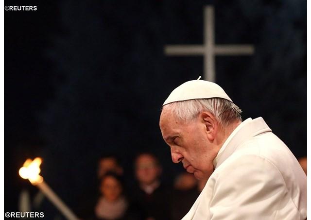 Опубликована программа великопостных и пасхальных богослужений с участием Папы