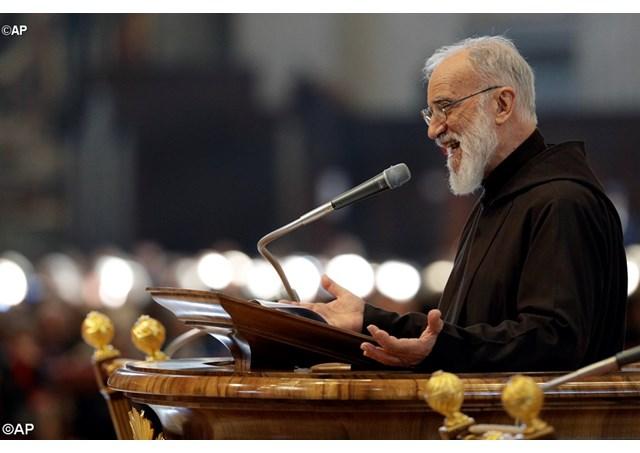 Проповедник Папского Дома о послушании Богу и послушании властям