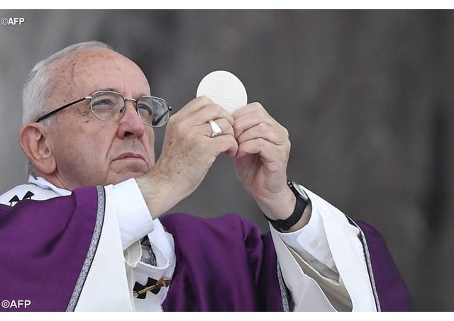 Папа Франциск на Мессе в Доме Св. Марфы о свойствах ходатайственной молитвы