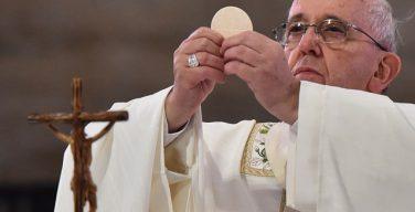 На общей аудиенции в Светлую седмицу Папа Франциск призвал верных становиться «евхаристическими людьми»