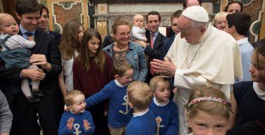 Папа Франциск встретился с участниками форума общины «Эммануил»