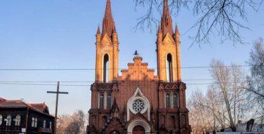 Красноярские католики снова просят вернуть им костел, который используется как органный зал