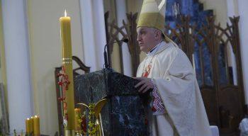 Апостольский нунций в России архиепископ Челестино Мильоре обратился к верным с проповедью в день Пасхи