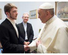 Папа встретился с отцом маленького Альфи: только Бог — господин жизни