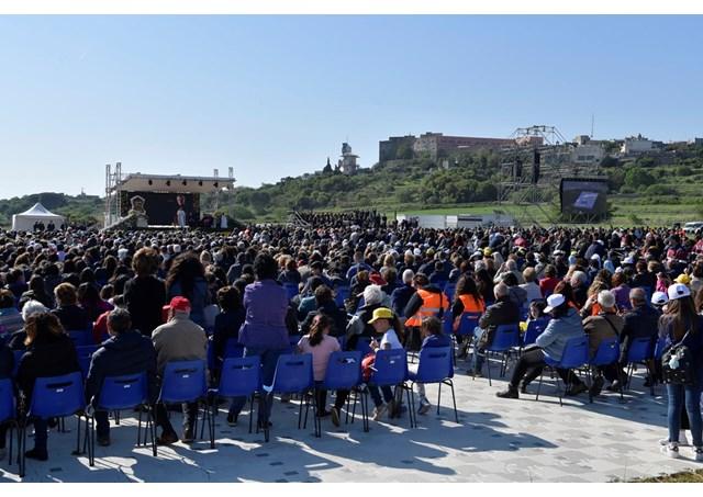 Папа Франциск совершает пастырский визит на юг Италии